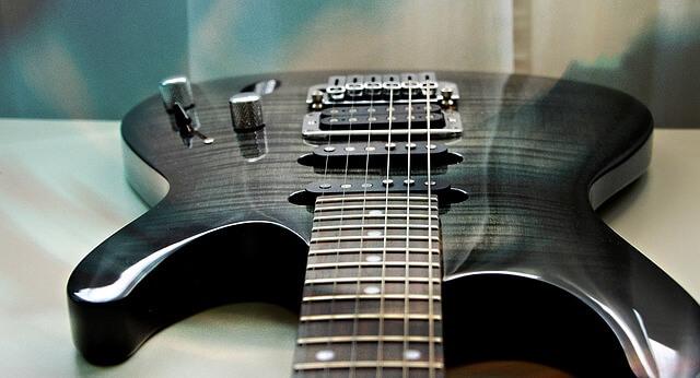 ibanez-gitarre-schwarz